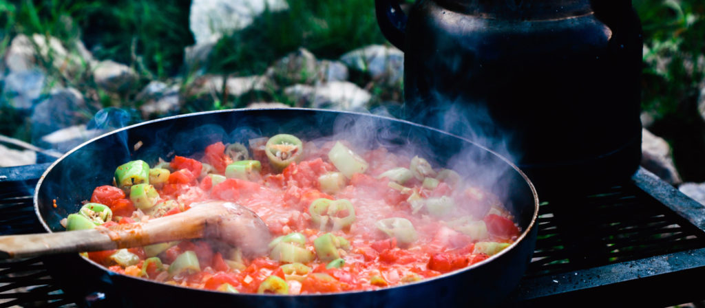 Camp food is delicious and might be able to naturally warm your body!